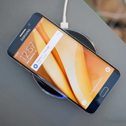 Беспроводное зарядное устройство для Android и iOS телефонов