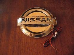 Светящийся логотип Nissan,светящаяся эмблема Nissan,светящийся логотип на авто Nissan,светящийся логотип на автомобиль Nissan,подсветка логотипа Nissan,2D,3D,4D,5D,6D