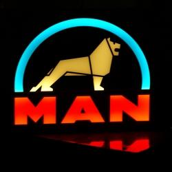 Светящийся логотип на спалку MAN,светящийся логотип для грузовика на спалку MAN,светящаяся эмблема на спалку MAN,табличка на спалку MAN,картина на спалку MAN,логотип на стекло на спалку MAN,светящаяся картина на спалку MAN,светодиодный логотип на спалку M