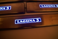 накладки на пороги с подсветкой renault laguna,светящиеся накладки на пороги reno laguna,светодиодные накладки на пороги renault laguna,светодиодные накладки на пороги авто reno laguna,накладки на пороги led renault laguna,декоративные накладки рено лагун