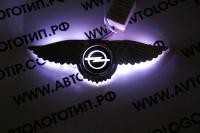 Крылатый логотип Opel с подсветкой