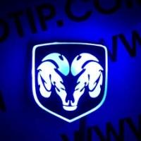 Светящийся логотип Dodge