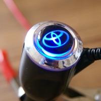 Зарядка для телефона с логотипом Toyota