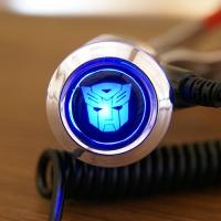 Зарядка для телефона с логотипом Autobots