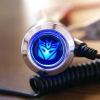 Зарядка для телефона с логотипом Decepticon