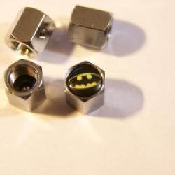 колпачки на ниппель Batman,купить,колпачок на ниппель колеса Batman,колпачки ниппель автомобиля Batman,колпачки на ниппель с логотипом Batman,колпачки на ниппель для авто,колпачки ниппель хромированные,металлический колпачок на ниппель
