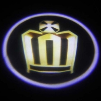 Подсветка логотипа в двери Crown,подсветка дверей с логотипом Crown,Штатная подсветка Crown,подсветка дверей с логотипом авто Crown,светодиодная подсветка логотипа Crown в двери,Лазерные проекторы Crown в двери,Лазерная подсветка Crown
