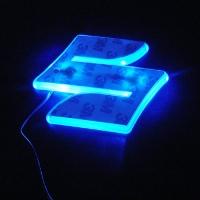 Светящийся логотип SUZUKI SX4,светящаяся эмблема SUZUKI SX4,светящийся логотип на авто SUZUKI SX4,светящийся логотип на автомобиль SUZUKI SX4,подсветка логотипа SUZUKI SX4,2D,3D,4D,5D,6D