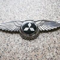 Логотип Mitsubishi с крыльями